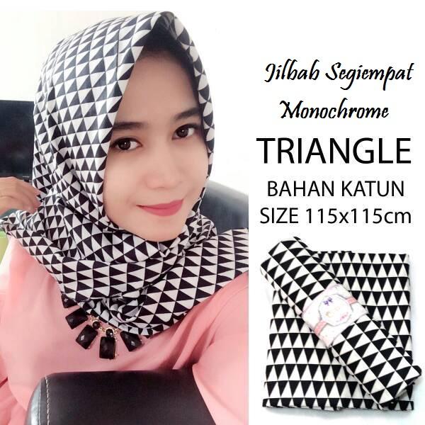 Jilbab-Segiempat-Monochrome-Triangle